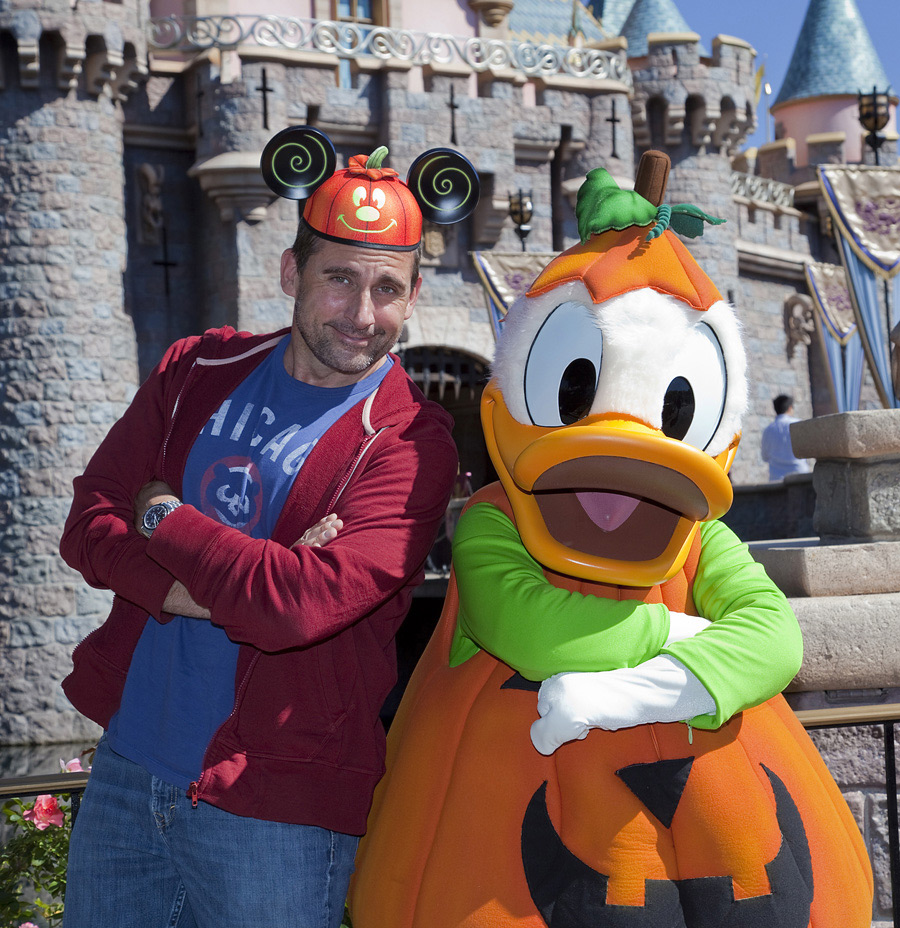 Steve carell celebrates halloween time with donald duck at for Captain steve s fishing lodge