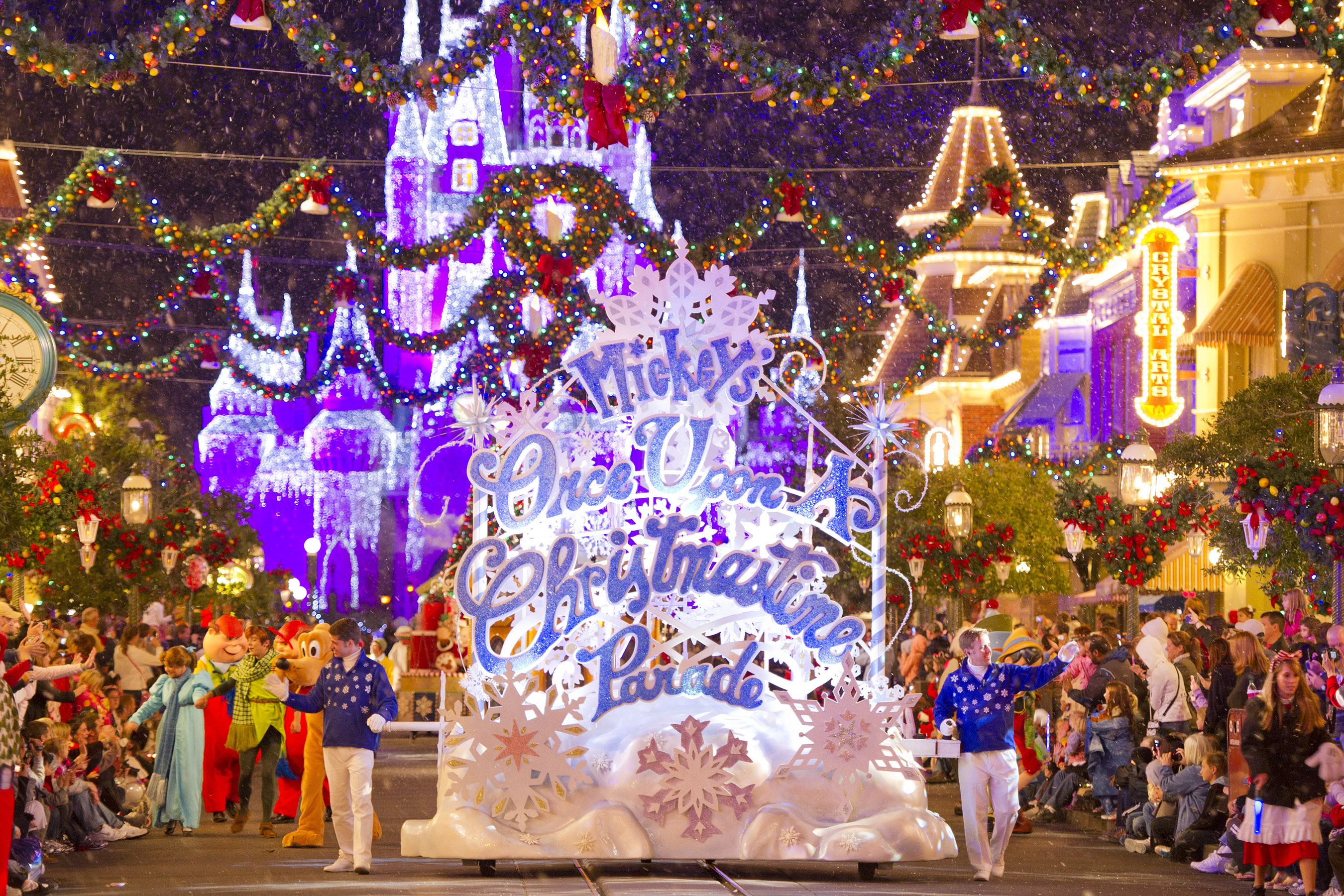 plan ahead for holiday vacations at walt disney world