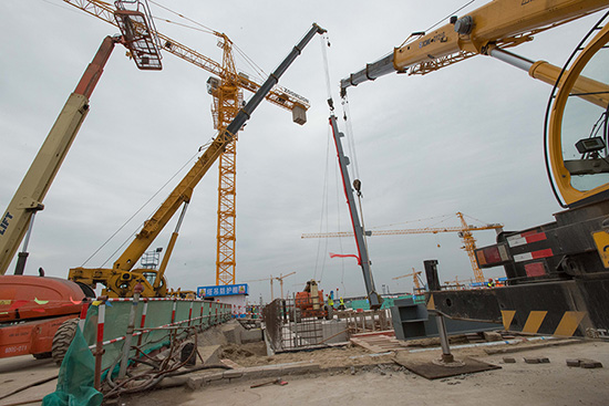 Vertical Construction Begins on Theme Park at Shanghai Disney Resort