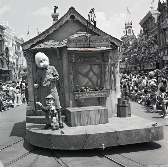 Step In Time: 'Pinocchio Parade' Steps Off in 1980 at Magic Kingdom Park