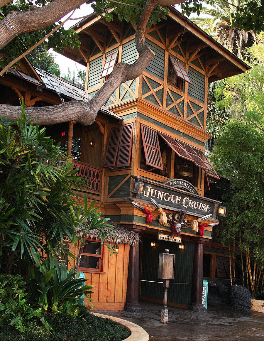 The Magic of Disney Parks Storytelling: - 748.6KB