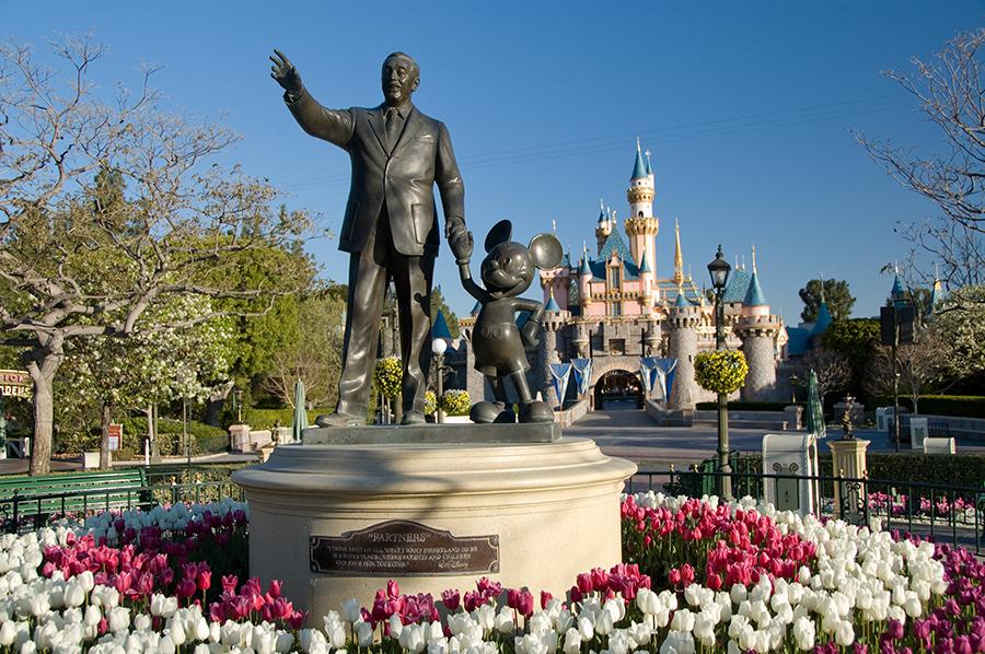 Smash Into Backstage Disneyland With The Avengers Super Heroes Half Marathon