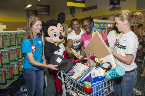 Disney VoluntEARS Celebrate 2.5 million Back-to-School Donations with Day of Service at A Gift For Teaching