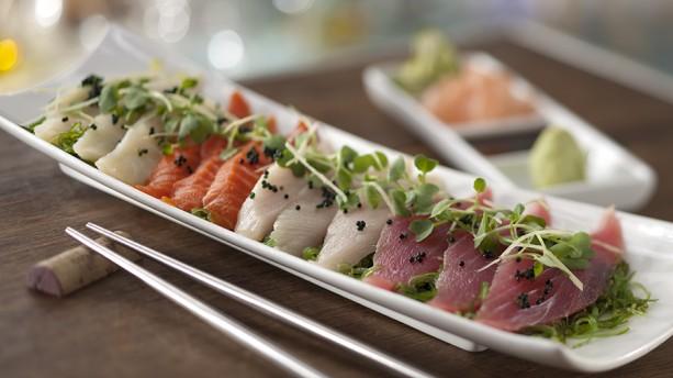 Yuzu-marinated Sashimi (tuna salmon himachi snapper seaweed salad