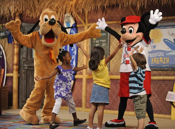 Surf's Up! Breakfast with Mickey & Friends, Disney's PCH Grill