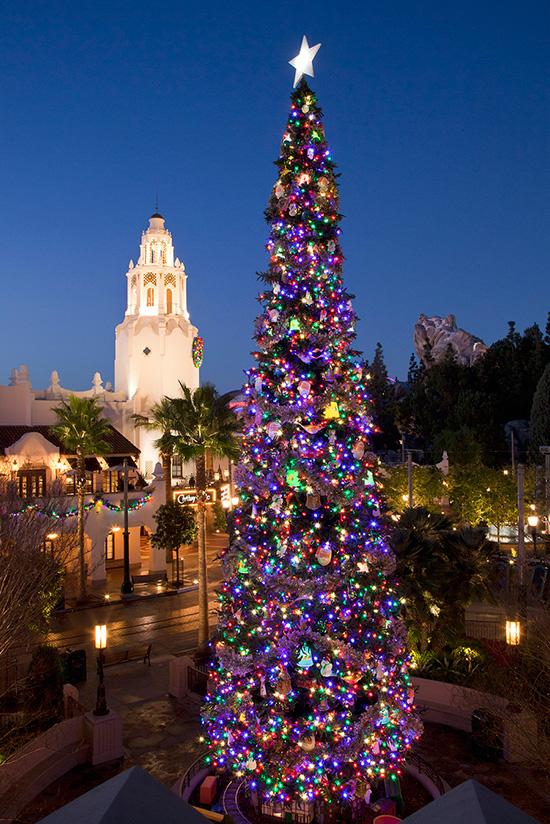 dlrdlr826993 - Disney Christmas Trees