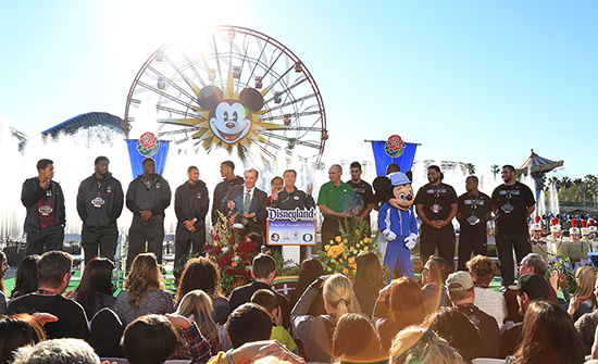 2015 Rose Bowl Teams, Florida State Seminoles and Oregon Ducks, Visit Disneyland Resort