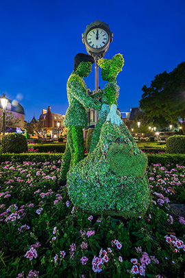Cinderella and Prince Charming Topiaries at Epcot International Flower & Garden Festival
