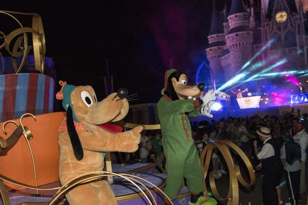 Goofy and Pluto Keep Things Going at Magic Kingdom Park
