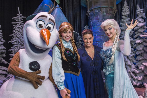 Idina Menzel visits Elsa, Anna and Olaf at Walt Disney World Resort