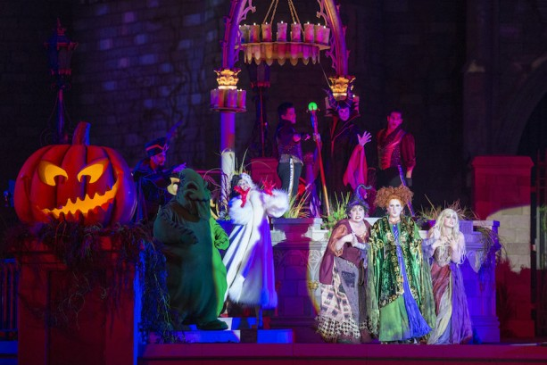 'Hocus Pocus Villain Spelltacular' During Mickey's Not-So-Scary Halloween Party
