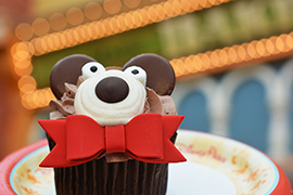 Holiday Bear Cupcake from Main Street Bakery