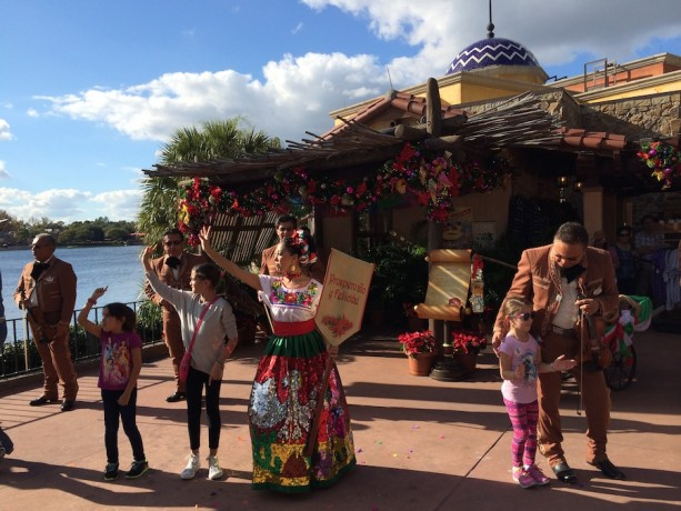 #DisneyFamilia: Celebrate the Holidays Mexican Style
