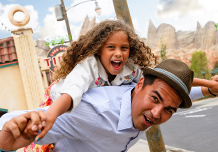 Enter to win a Disney Parks vacation for 6 from LATINA