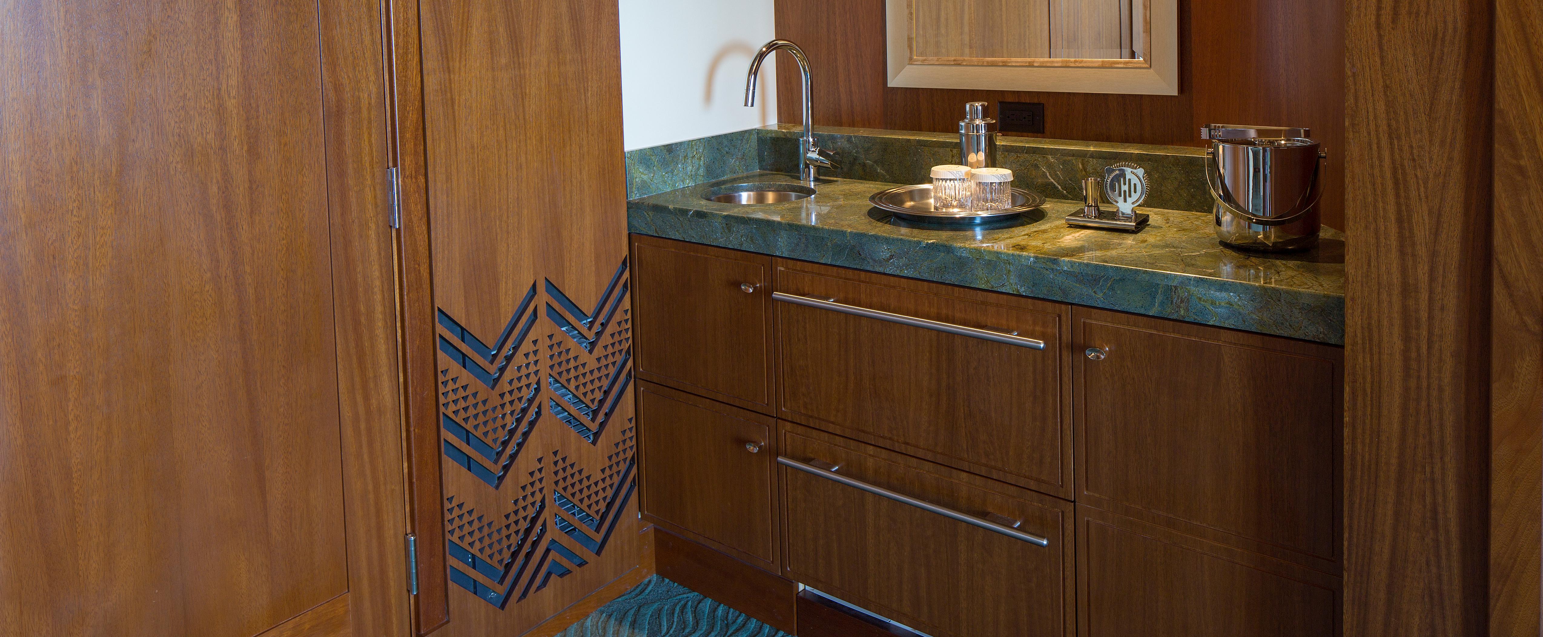 The wet bar in the Deluxe 1-Bedroom Suite