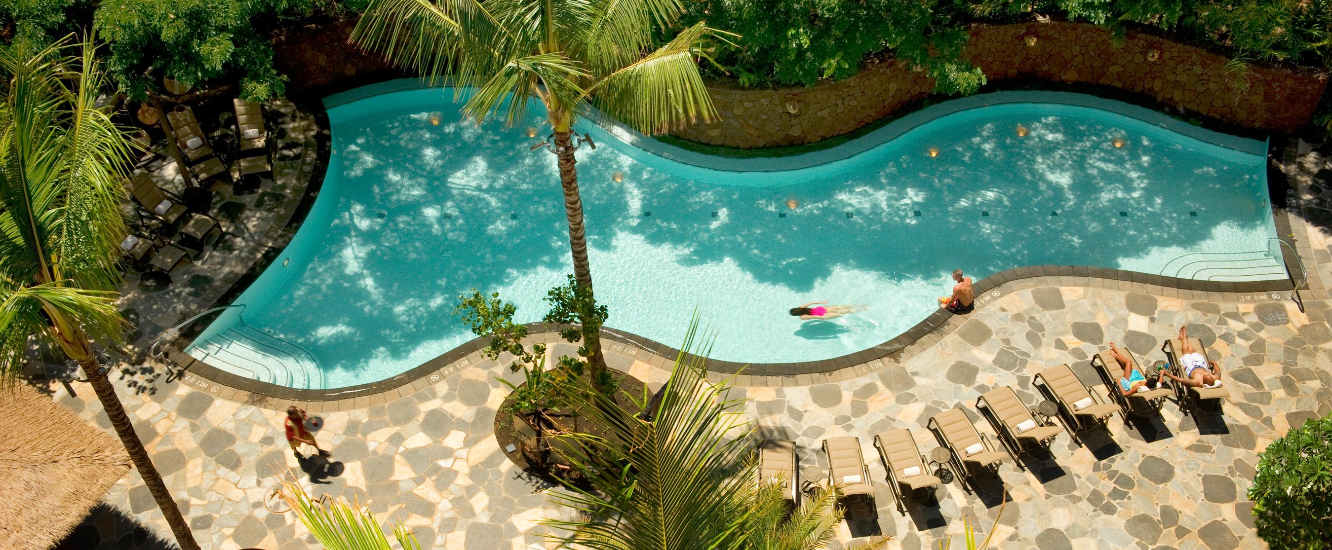 Aulani Guests at Wailana Pool